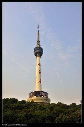 龟山电视塔全称湖北龟山广播电视塔,是我国自行设计,施工的结合旅游