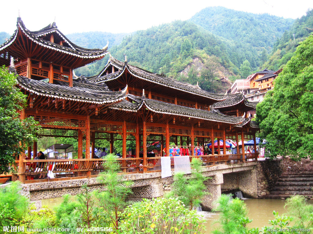苗寨建筑风景图片