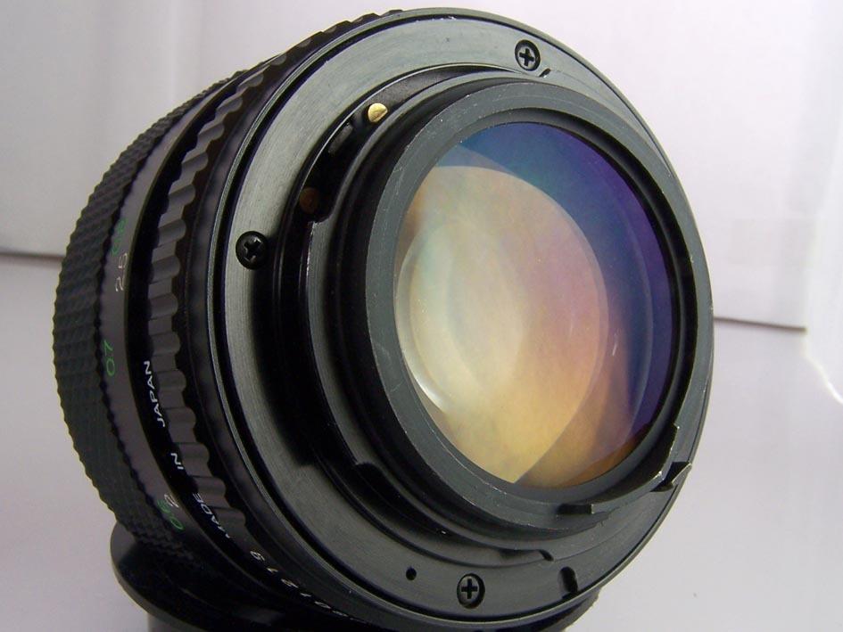 标准镜头的主焦距因照相机所用胶片的尺寸不同而异